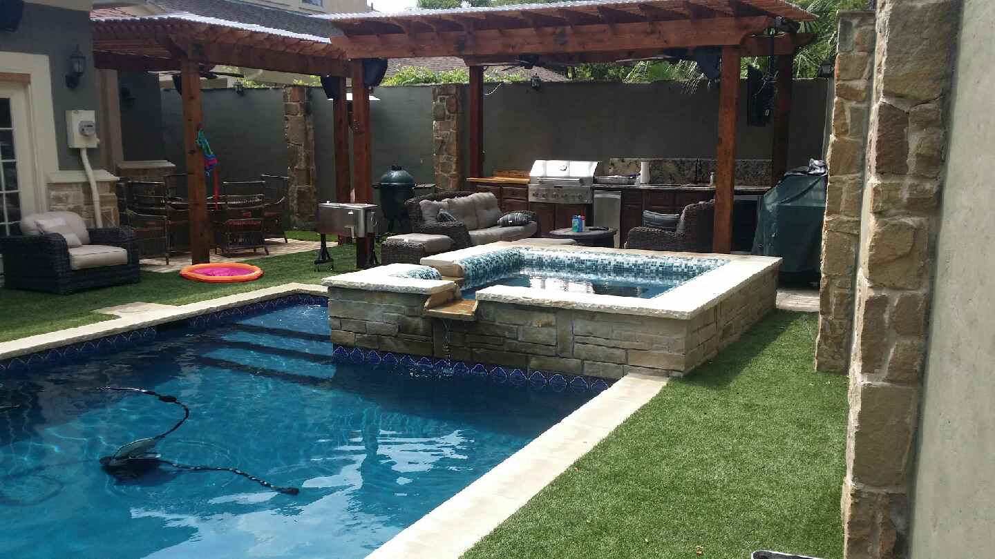 Custom pool photos dallas desoto inground pools allen for Inground swimming pool construction
