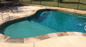 Swimming Pool with Tanning Ledge